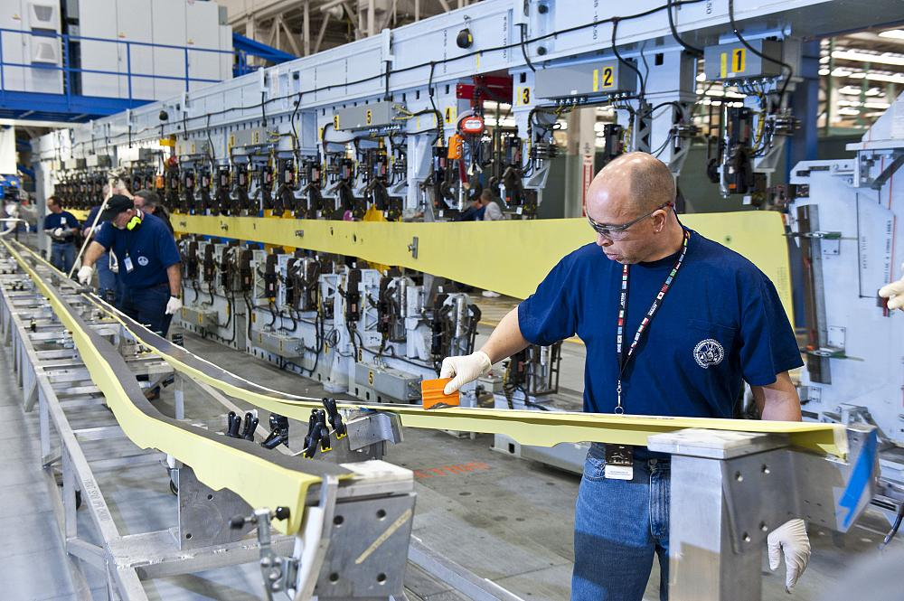 Boeing Picks Everett Wash As Site To Build New 777x Wings