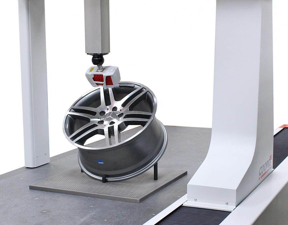 CMM integrates touch-probe, laser scanning functions